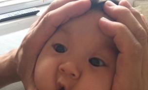 תינוק מחוץ (צילום: twitter ,מעריב לנוער)