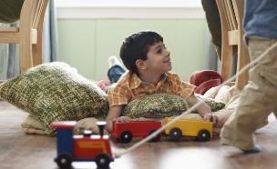 ילד משחק (צילום: אימג'בנק / Thinkstock)