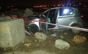 הרכב שניסה לדרוס ונבלם (צילום: חטיבת דובר המשטרה)