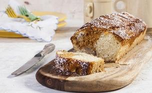 עוגת קוקוס, ריבת חלב ובננות (צילום: אסף אמברם ,אוכל טוב)