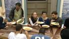 הדיירים אוכלים ארוחת צהריים  (צילום: מתוך האח הגדול 7 ,שידורי קשת)