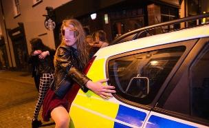 שיכורים בבריטניה (צילום: caters/athena/pa)