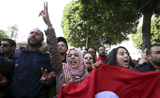 המפגינים שבו לרחובות (צילום: רויטרס)