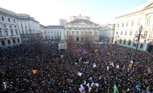 הפגנות באיטליה (צילום: AP ,AP)