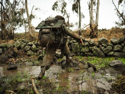"""רגעים קטנים שמאפיינים את השירות הצבאי בחורף (צילום: דובר צה""""ל ,דובר צה""""ל)"""