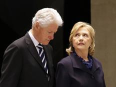 """קמפיין: """"ביל הטריד, הילרי צבועה"""" (צילום: רויטרס)"""