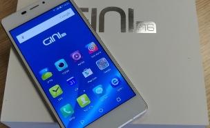 סמארטפון Gini N6 של פלאפון (צילום: צחי הופמן ,NEXTER)