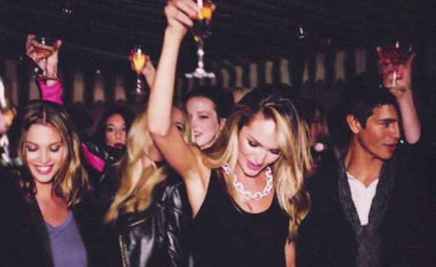מסיבה  (צילום: giphy)
