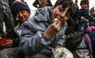 צפו: פליט מהקרבות בסוריה מספר על החששות והתקוות (צילום: SKY NEWS)