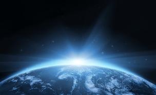 כדור הארץ מהחלל (צילום: Igor Kovalchuk, Shutterstock)
