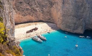 חוף נבגיו בזקינטוס, יוון (צילום: mkos83 / Shutterstock)