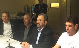 אהוד ברק בהשקה של אפליקציה 'ריפורטי' (צילום: חדשות 2)