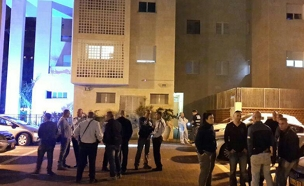 """זירת החיסול בראשל""""צ, הערב (צילום: Azri Amram, חדשות 2)"""