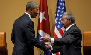 פגישה היסטורית וטעונה. קסטרו ואובמה