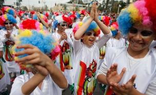 לא בכיכר המדינה? ילדים מחופשים (צילום: רויטרס)