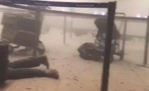 תיעוד: שניות לאחר הפיגוע בנמל התעופה (צילום: חדשות 2)