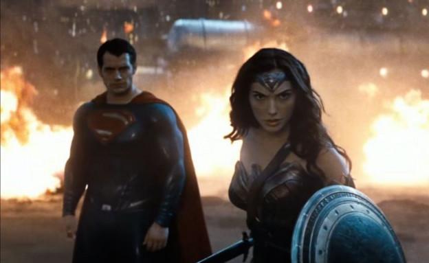 """בן אפלק, הנרי קאוויל וגל גדות ב""""באטמן נגד סופרמן"""" (צילום: יחסי ציבור ,יחסי ציבור)"""