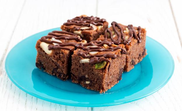 בראוניז שוקולד-אגוזים (צילום: אולגה טוכשר ,אוכל טוב)