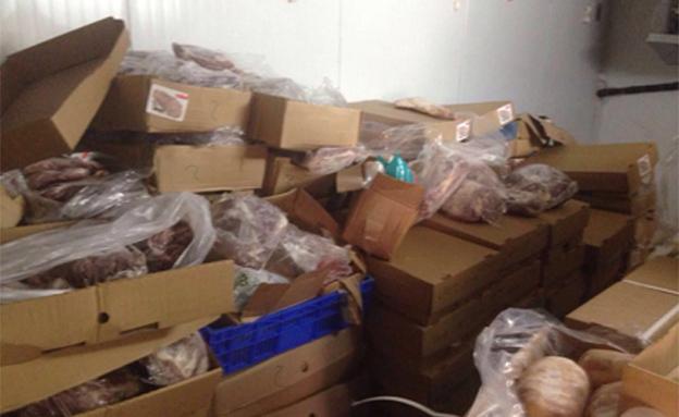 בשר גמלים וחמורים התגלה במפעל בצפון (צילום: משטרת ישראל)