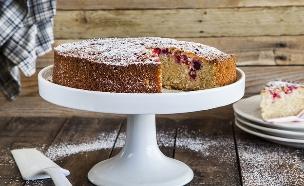 עוגת שקדים, קוקוס ופטל (צילום: אסף אמברם ,אוכל טוב)