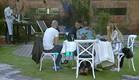 הדיירים מתפנקים בארוחה לילית (צילום: מתוך האח הגדול עונה 7, שידורי קשת)