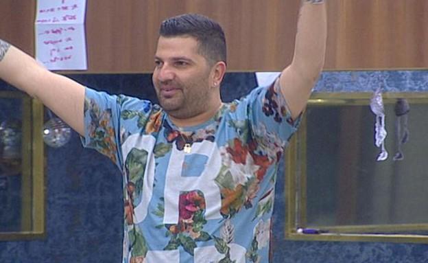 דודו רוקד לצלילי שיר הבוקר (צילום: מתוך האח הגדול עונה 7 ,שידורי קשת)