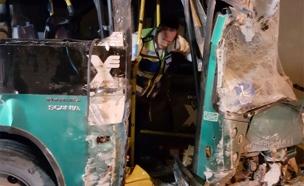 תאונה במנהרות הכרמל (צילום: אהרן ברוך ליבוביץ)