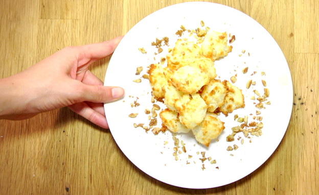 תראו מתכון - חטיפי קוקוס (צילום: יעל רפפורט ,אוכל טוב)