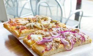 פיצה רומאית (צילום: Luca Lorenzelli, Shutterstock)