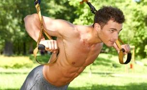 גבר מתאמן (צילום: shutterstock: Daniel_Dash)