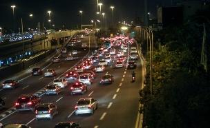 פקקים בדרך הביתה (צילום: חדשות 2)