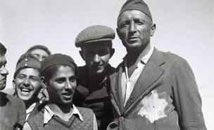 שוברת את המסגור. יהודים עם טלאי (צילום: חדשות 2)