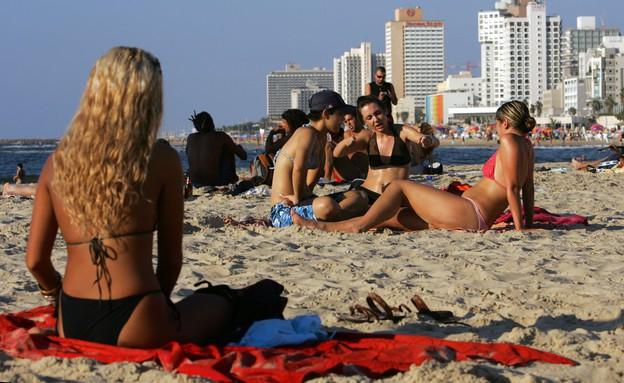 חוף בתל אביב (צילום: getty images)