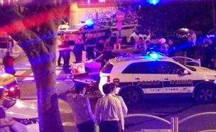 הרכב שברח לאחר הירי של השוטרים (צילום: אביב נטל)