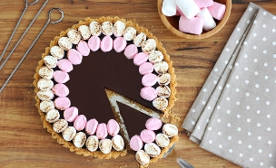 פאי שוקולד ומרשמלו (סמורס) (צילום: ענבל לביא ,אוכל טוב)