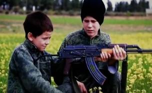 כך מגייס ארגון הטרור אלפי יתומים לשדות הקרב (צילום: חדשות 2)