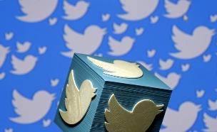 בטוויטר כבר מחקו אלפי חשבונות (צילום: רויטרס)