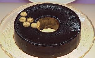 עוגת שוקולד פסיפלורה (צילום: דניאל בר און ,בייק אוף ישראל)