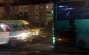 שני פצועים קל מיידוי אבנים לעבר אוטובוס (צילום: דיווחי הרגע)