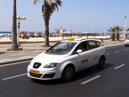 מונית ללא נהג - בקרוב בישראל? (צילום: 123RF, Eldad Carin)
