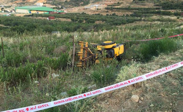 """זירת התאונה במגד'ל שמס (צילום: דוברות מד""""א)"""