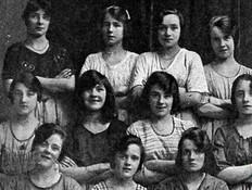 נשים בטחנת קמח (צילום: Belfast Live)