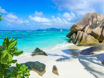 חוף אן סורס ד'ארג'נט (צילום: Simon Dannhauer. Shutterstock)