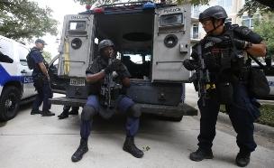 לאחר ההפגנות: מטה המשטרה בדאלאס נחסם (צילום: ריוטרס)