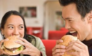 זוג אוכל (צילום: getty images ,getty images)