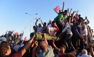 ניסיון ההפיכה קרס (צילום: רויטרס)