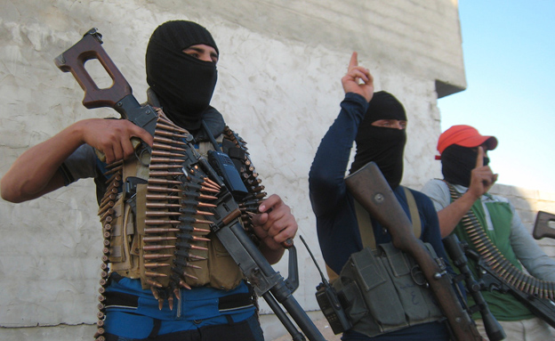 פעילי אל קאעידה, ארכיון (צילום: רויטרס)