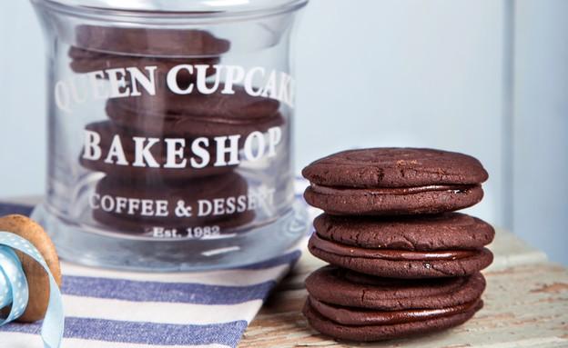 עוגיות שוקולד אווריריות במילוי שוקולד (צילום: שרית גופן ,אוכל טוב)
