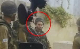 אלאור אזריה מחייך (צילום: חדשות 2)