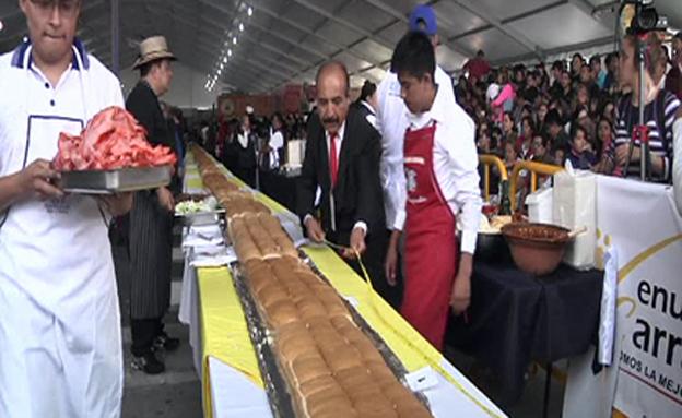 החליטו בעצמכם: האם זהו הסנדוויץ' הארוך בעולם?